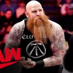Erick Rowan appears to be bitten by what's in his cage: Raw, Jan. 13, 2020