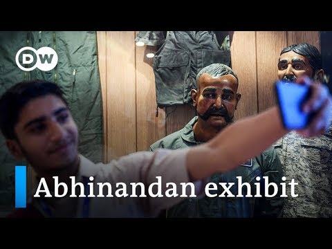 Pakistan Air Force displays mannequin of downed Indian pilot | DW News