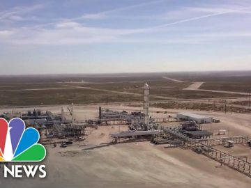 Fracking Could Be Dealbreaker With Texas Voters In 2020 Election | NBC News NOW