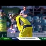George Bailey's batting stance has Faf du Plessis laughing