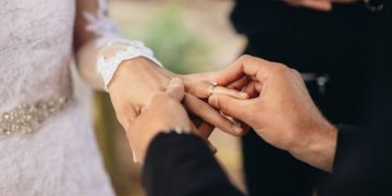 Humanist weddings: Landmark High Court challenge to legally recognise marriages 8