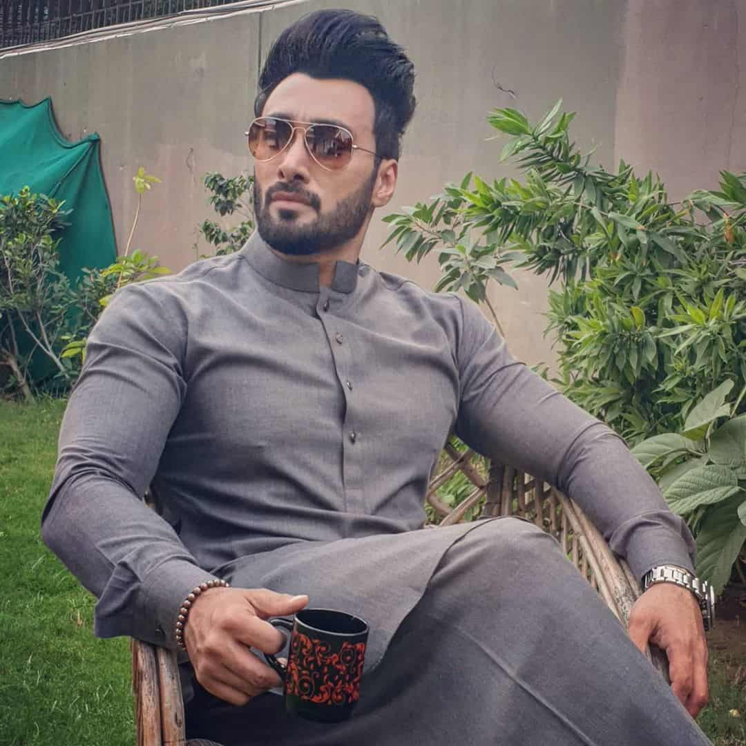 Umair Jaswal Talks About Relationship Status With Sana Javed 6