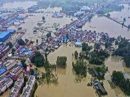 """China Says Worst of Flooding Still to Come as Situation 'Severe"""" 6"""