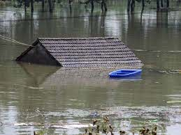 """China Says Worst of Flooding Still to Come as Situation 'Severe"""" 5"""