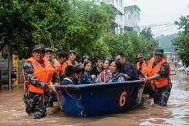 """China Says Worst of Flooding Still to Come as Situation 'Severe"""" 7"""