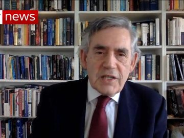 Coronavirus: Gordon Brown says the UK government is 'failing to test people'