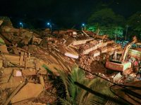 Rescuers find 60 survivors after building collapse in India 5