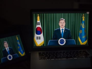 Moon Tells UN: Korean War 'Must End, Completely and for Good, 9