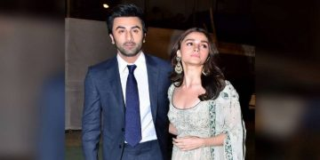 Alia Bhatt and Ranbir Kapoor Enjoy Dancing On Nazia Hassan's song 'Aap Jesa Koi' 20