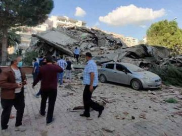 A strong earthquake struck on Friday between the Turkish coast and the Greek island. 14