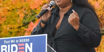 """I Don't Wanna Go Back to the Way It Was"" - Lizzo Campaigns For Joe Biden in Moving Speech 15"