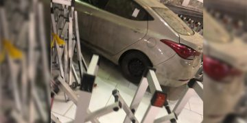 A man crashes car into gates of Mecca's Grand Masjid Al-Haram 15