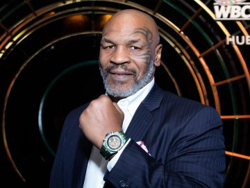 Mike Tyson appeared slow, exhausted, and unbothered. 22