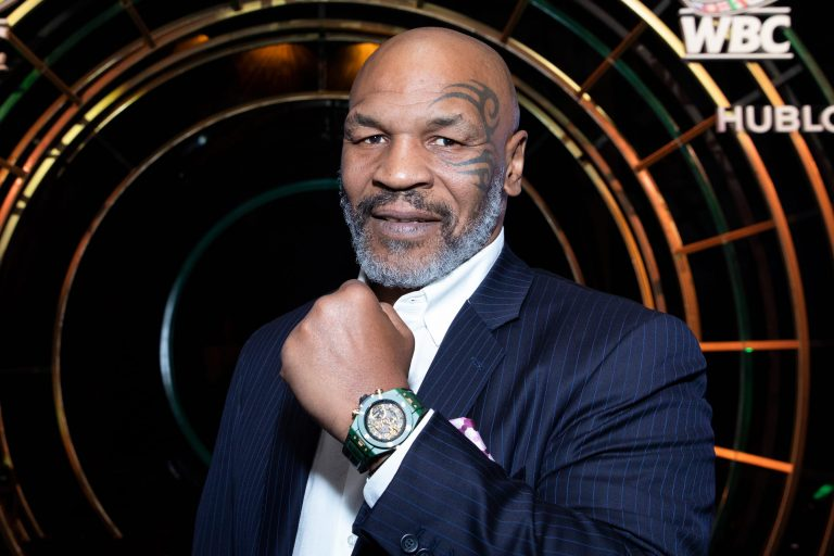 Mike Tyson appeared slow, exhausted, and unbothered. 1
