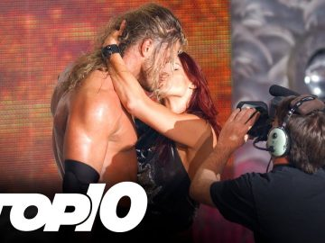 Forbidden kisses: WWE Top 10, Nov. 4, 2020