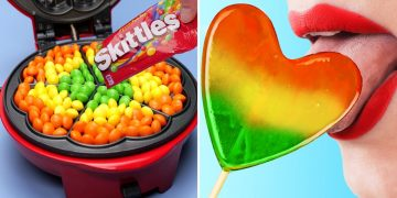 COOL FOOD HACKS AND FUNNY TRICKS    27 FOODS YOU CAN WAFFLE IRON!