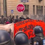 COVID in Germany | Police use water cannons at anti-lockdown rally in Frankfurt
