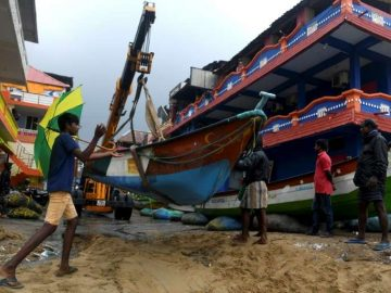 Three killed as powerful Cyclone Nivar buffets Southern India 11