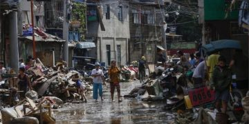 Typhoon Vamco: Dozens dead as Philippines hit by powerful storm 3