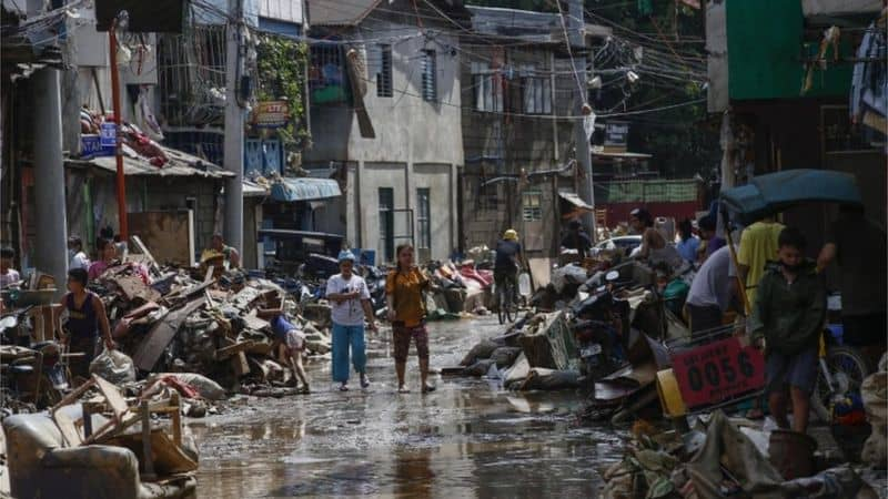 Typhoon Vamco: Dozens dead as Philippines hit by powerful storm 4