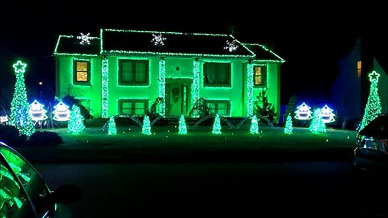 Home's Christmas light display syncs to 'Angels We Have Heard'