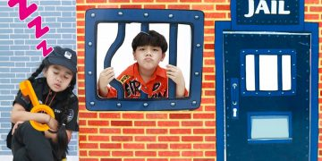 Suri and Sammy Pretend Play Kids Locked Up in Jail | Fun Story for Kids to Follow Rules 5