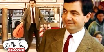 Last Shoppings Before CHRISTMAS | Mr Bean Funny Clips | Classic Mr Bean