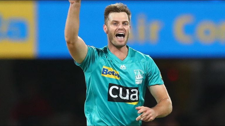 Steketee runs rampant to snare four Sixers scalps | KFC BBL|10