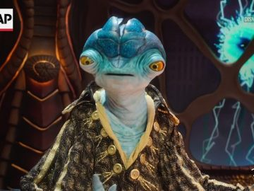 Alien puppet interviews celebs in 'Earth to Ned'