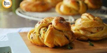 Garlic Bread Knots Recipe by Food Fusion