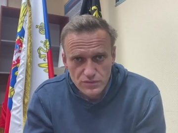 Navalny calls people to take streets as he's jailed