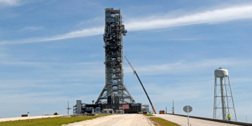 NASA Test of Mega Moon Rocket Engines Cut Short Unexpectedly 8