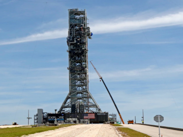 NASA Test of Mega Moon Rocket Engines Cut Short Unexpectedly 17
