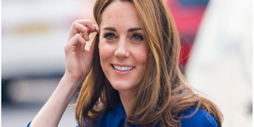 Kate Middleton just recycled a Christmas dress in January. 20