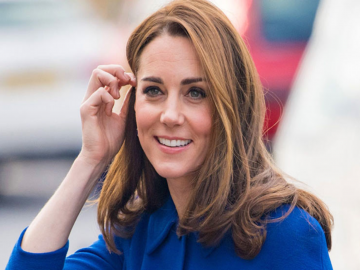 Kate Middleton just recycled a Christmas dress in January. 7