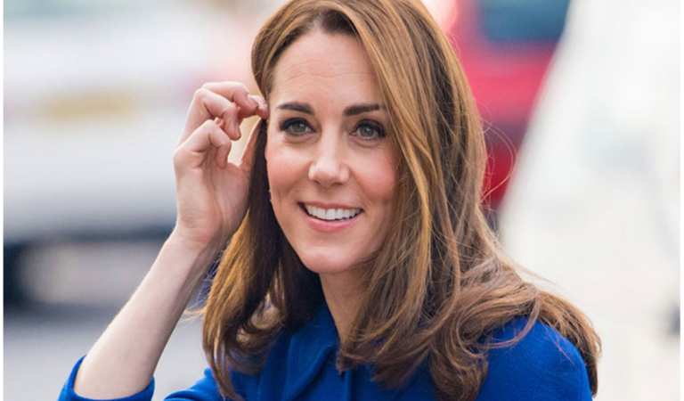 Kate Middleton just recycled a Christmas dress in January.