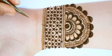 Mehndi designs 2020 new style simple for beginners - Beautiful Mehendi design for front hands 13