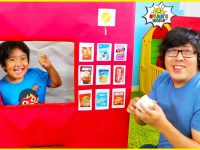 Ryan Pretend Play with Vending Machine Toy for Kids Story!!! 11