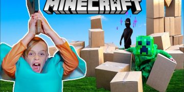 Minecraft In Real Life! Jack Mines, Builds and Battles in World of Minecraft 1