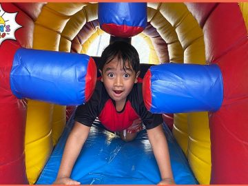Ryan play with Inflatable Water Slide with family!!! 7