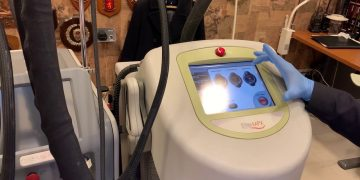 Live Hair Removal Session with custom made Laser CYNOSURE ELITE MPX.