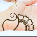 Beautiful Arabic henna mehndi design || simple mehndi design || latest henna design for front hands 1