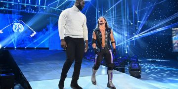Large sidekicks: WWE Playlist