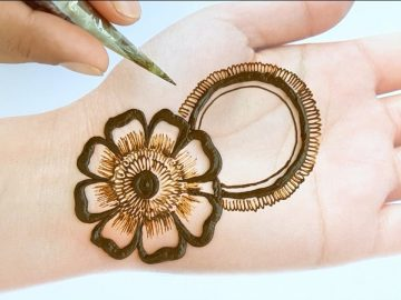 Eid Mehndi designs 2020 new style simple for beginners - Beautiful Mehendi design for front hands 14