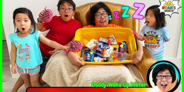 Greedy Daddy In Real Life! Pretend Play Don't Wake Daddy Challenge! 13