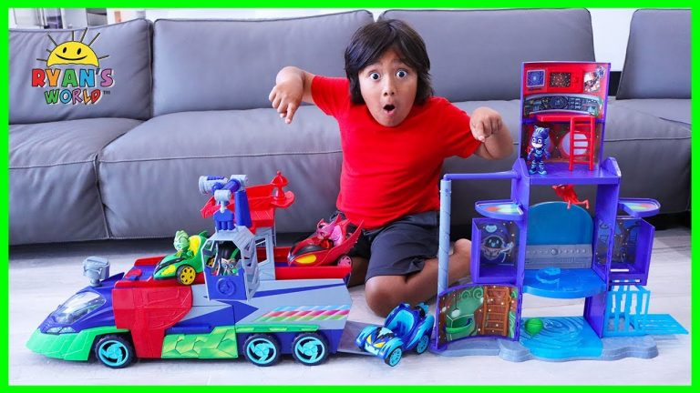 PJ Masks Helps Ryan track Romeo with PJ Seeker Vehicle and Mission Control HQ!!! 1