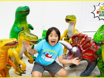 Ryan with Dinosaur in our house adventure Pretend play!!! 3