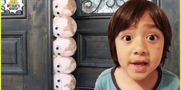 Ryan and the babysitting Story with Mommy and 1 hr Pretend Play for Kids! 15