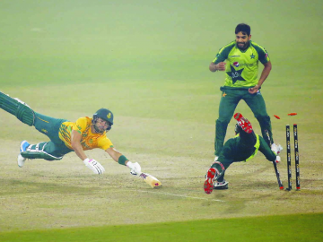 The Pakistani team has become the first team to complete 100 victories in T20 cricket. 5