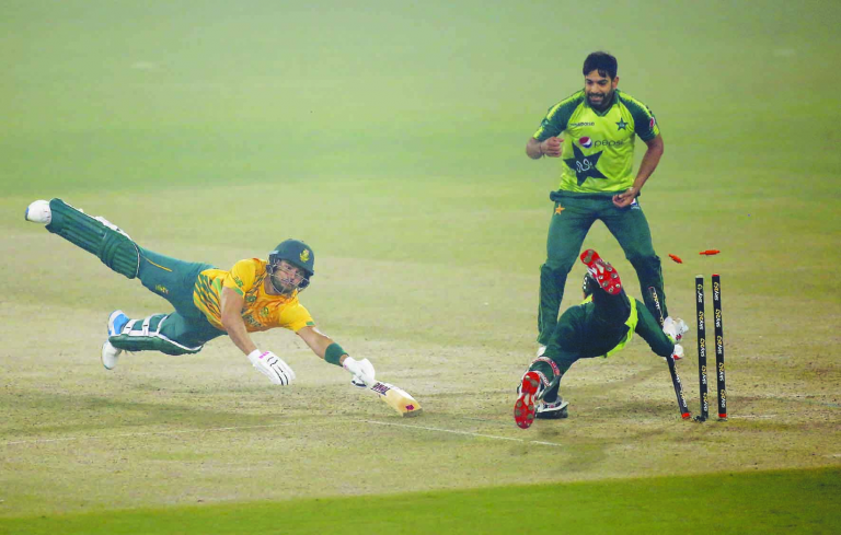 The Pakistani team has become the first team to complete 100 victories in T20 cricket. 1